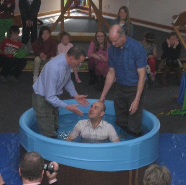 BaptistryUK round pool